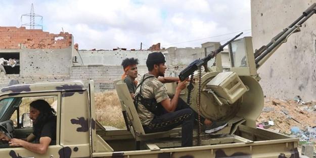 Darbeci Hafter'in kritik üssüne hava harekatı! Çok sayıda militan ansızın havaya uçuruldu
