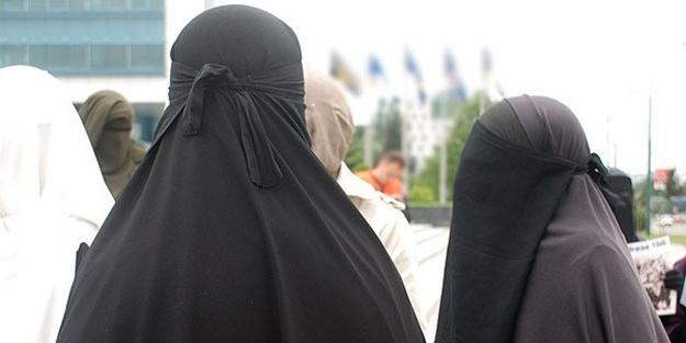 Darbeci Sisi'den Müslümanlara skandal yasak