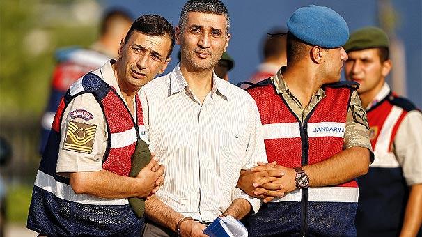 Darbeci Tuğgeneral Gökhan Şahin Sönmezateş'in makam odasından çıktı!
