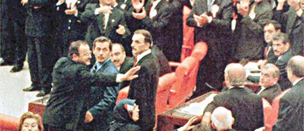 Darbeciye, Ecevit'e hoşgörü hükümete ise tepki