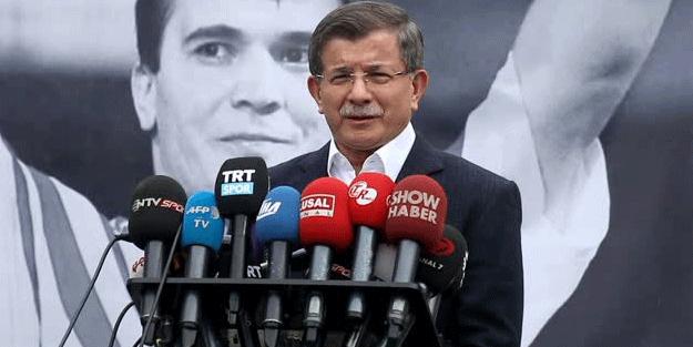 Davutoğlu, Süleymanoğlu'nun cenazesinde açıklamalarda bulundu