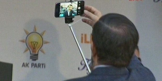 Mitingte selfie sürprizi!