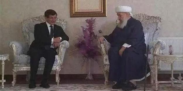 Davutoğlu, Menzil Şeyhi Abdulbaki Erol'u ziyaret etti