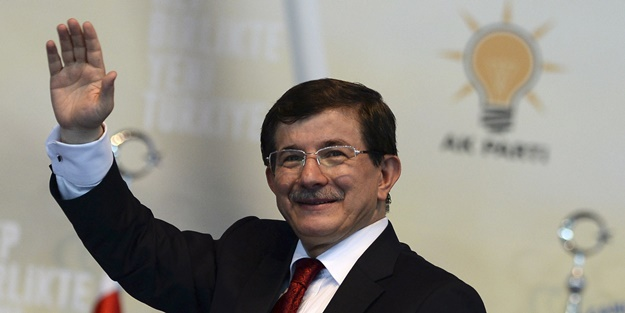 Davutoğlu'ndan HDP ve CHP'ye iki zor soru