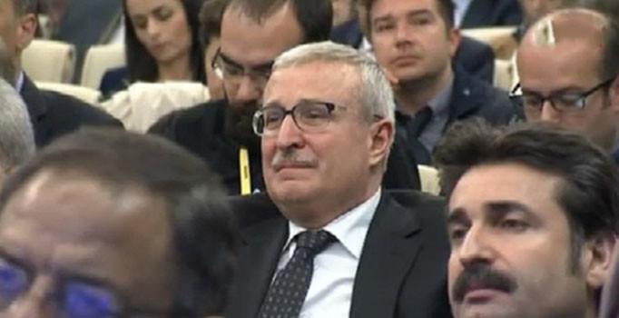 Davutoğlu'nun MYK sonrası açıklamasında salondaki bazı partilileri ağlattı