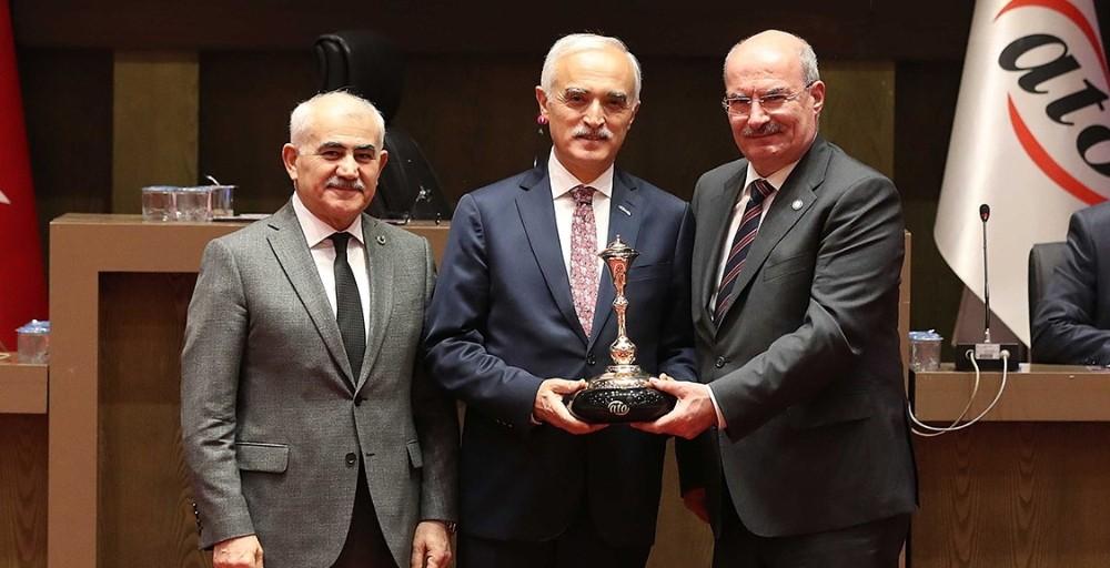 """DEKİ Başkanı Olpak: """"Türk iş dünyasının yurt dışına açılan penceresiyiz"""""""