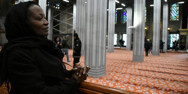 Della Miles ziyaret için geldiği Türkiye'de Müslüman oldu