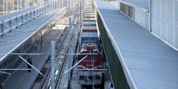 Demir İpek Yolu için tarihi gün! Tren Ankara'ya ulaştı