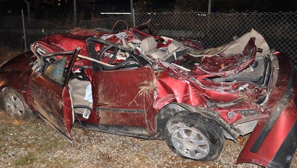 Denizli'de feci kaza: 2 ölü, 3 yaralı