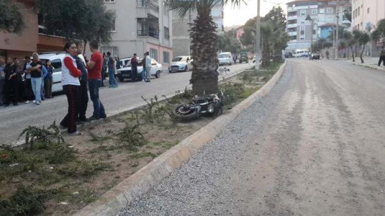 Denizli'de: Motosikletli bebek arabasına çarptı