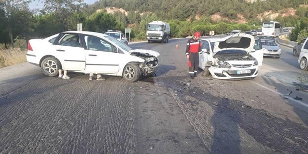 Denizli'de trafik kazası: Yaralılar var