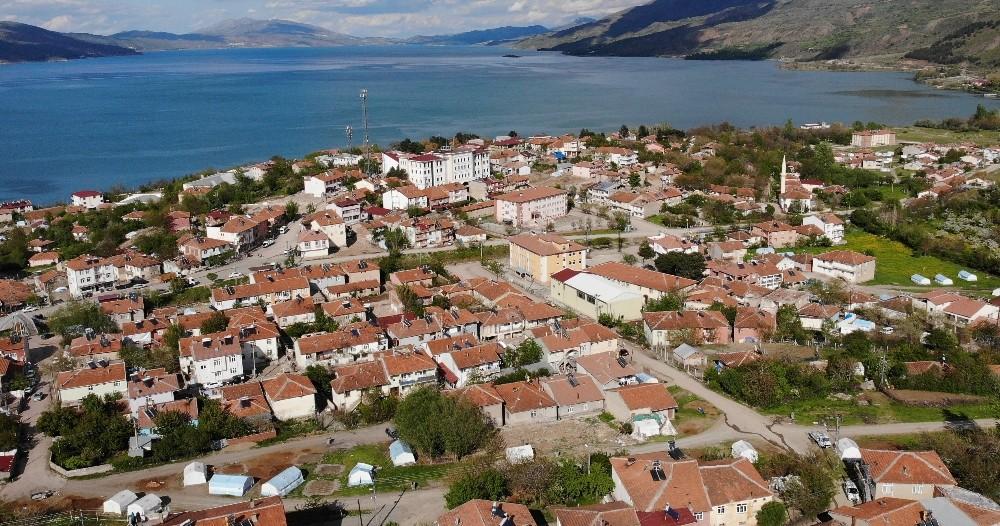 Deprem bölgesi Sivrice'de 35 hektar riskli alan ilan edildi