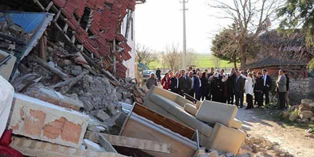 Deprem bölgesinde flaş gelişme! Okullar tatil edildi