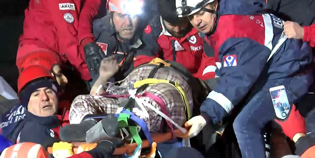 Depremde en çok can kaybının yaşandığı Elazığ'dan sevindiren haberler