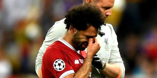 Dev finalde flaş olay! Mohamed Salah gözyaşlarıyla oyundan çıktı