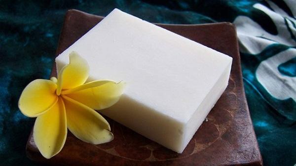 Deve sütü sabunu nedir? Bu sabun akne sorununu ortadan kaldırıyor mu?