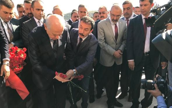 Devlet Bahçeli, Ülkücü Şehitler Anıtını ziyaret etti