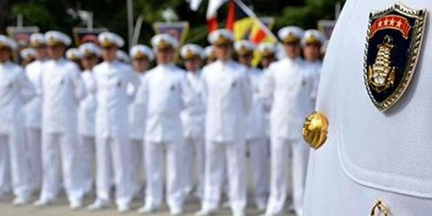 Devlet koynunda yılan beslemiş... Darbe iması yapan emekli amirallerin maaşları kesilsin!