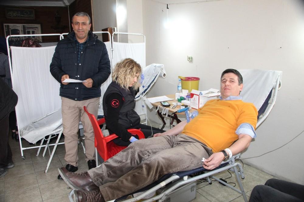 Devrekliler kan bağışı kampanyasında sıraya girdiler