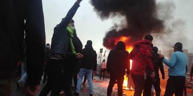Devrim muhafızlarından göstericilere sert uyarı!