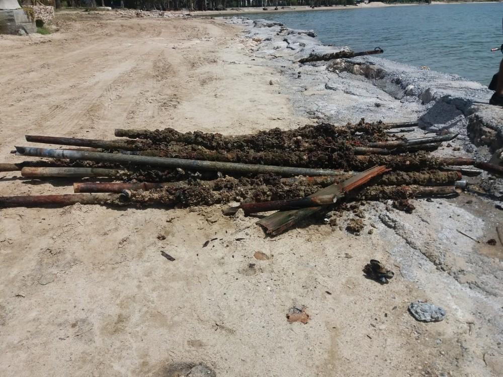 Didim Belediyesi'nden denizde temizlik çalışmaları.