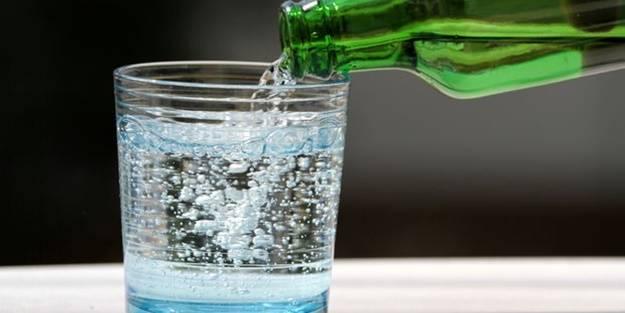 Dikkat! Maden suyunu bardakta içmeyin