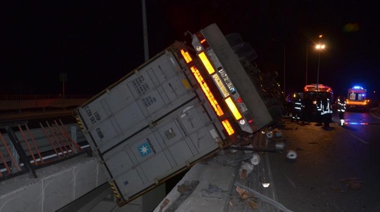 Direksiyonda kalp krizi geçiren tır şoförü öldü
