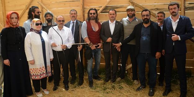 Diriliş oyuncularından Malazgirt kutlaması
