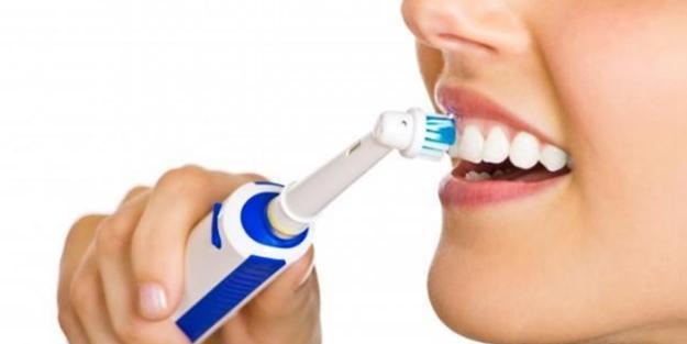 Diş fırçalamak orucu bozar mı? Oruçluyken diş fırçalanır mı?