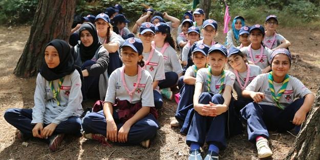 Diyabetli öğrenciler İzcilik kampına katıldı