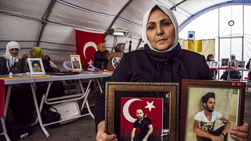 Diyarbakır annelerinden Çiftçi: Annelerini televizyonda gören çocuklar terör örgütünden kaçmaya başladı
