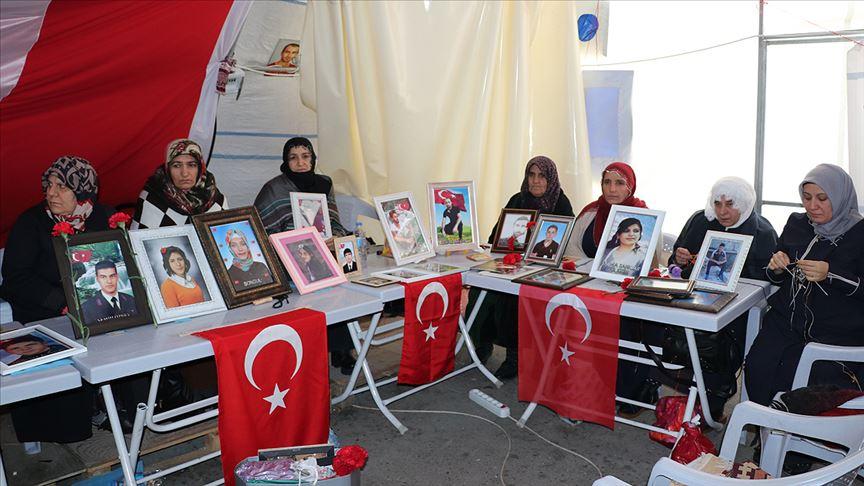 Diyarbakır annelerinden Fatma Bingöl: Hepimizin çocukları bir gün çıkıp gelecek
