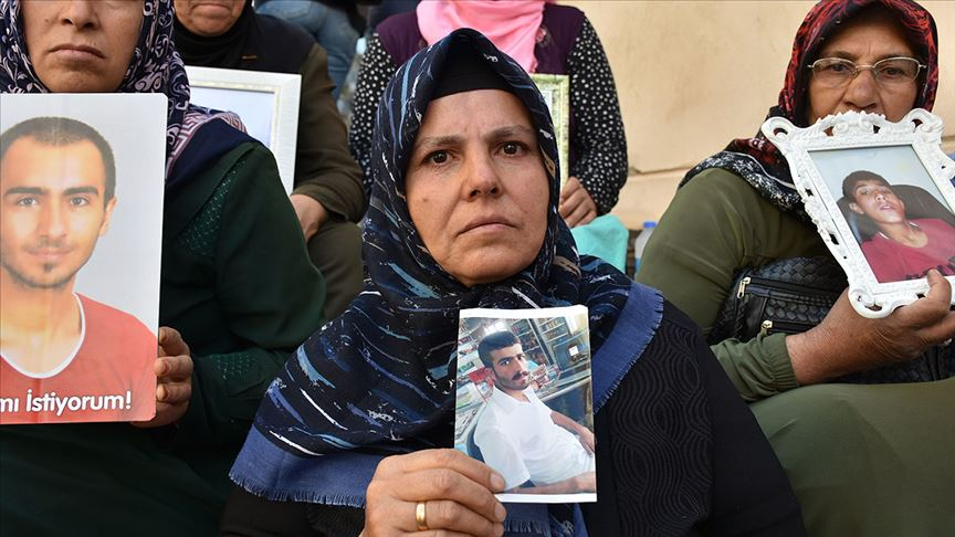 Diyarbakır annelerinin oturma eylemine destek ve katılım sürüyor