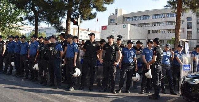 Diyarbakır, Mardin ve Van Büyükşehir Belediye Başkanları görevden uzaklaştırıldı