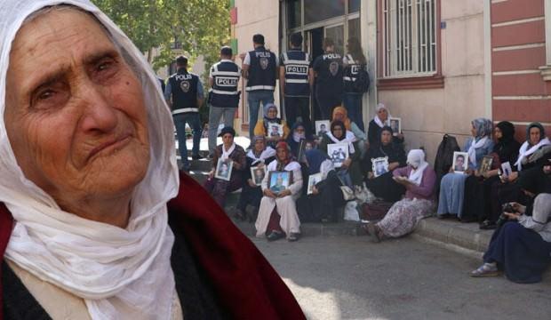 Diyarbakır'da ayakta zor duran Hurinaz nine çocuğu için tek başına geldi!