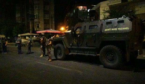 Diyarbakır'da çatışma! Terör hücresine baskın