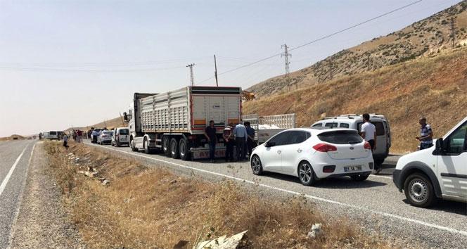 Diyarbakır'da 'Dur' ihtarına uymayan araç ateş açılarak durduruldu