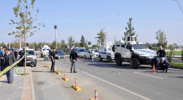 Diyarbakır'da eşine sokak ortasında kurşun yağdırdı