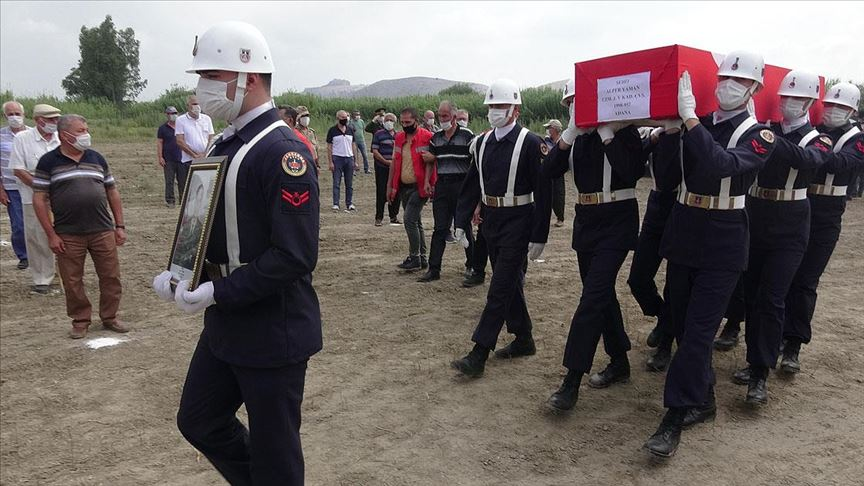Diyarbakır'da şehit olan Jandarma Uzman Çavuş Yaman son yolculuğuna uğurlandı