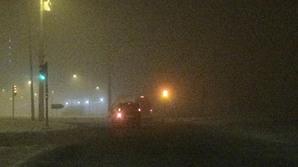 Diyarbakır'da sis esareti... Görüş mesafesi 30 metrenin altına düştü, sürücüler zor anlar yaşadı