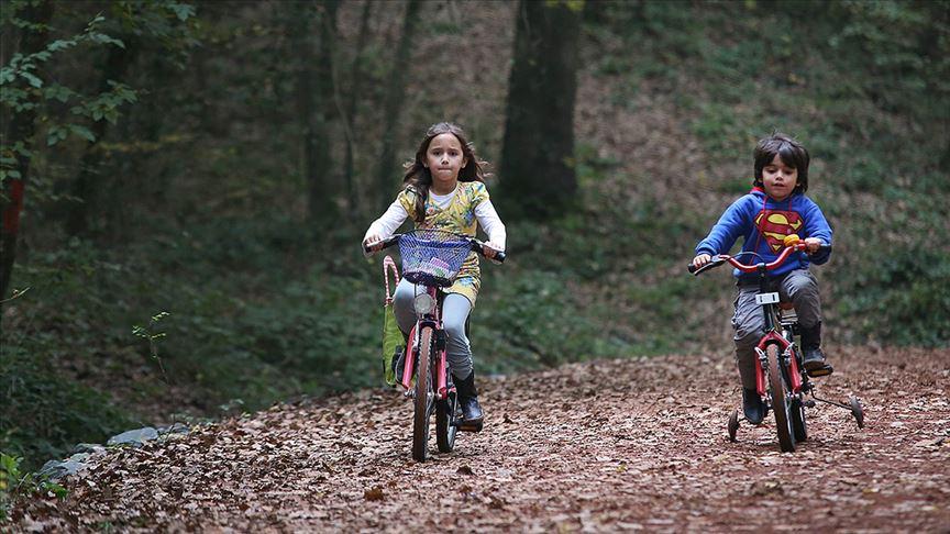 Doç. Dr. Yıldırım: Çocuklara günde en az bir saat fiziksel aktivite yaptırılmalı