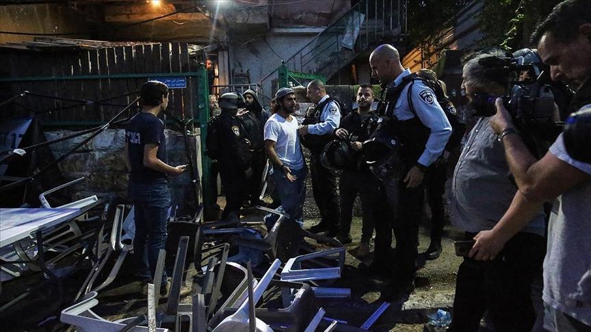 Doğu Kudüs'te iftar yapan Filistinliler ile işgalci Yahudi yerleşimciler arasında kavga çıktı