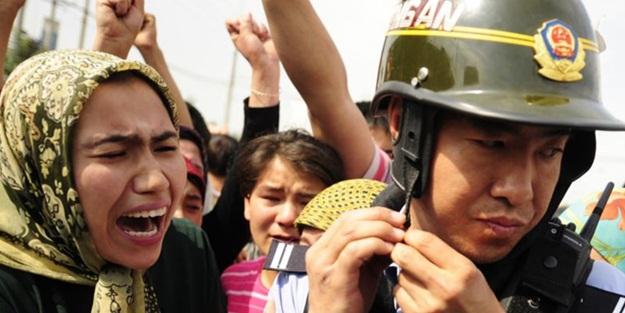 Çinliler toplama kamplarında Uygur kızlarına tecavüz ediyor