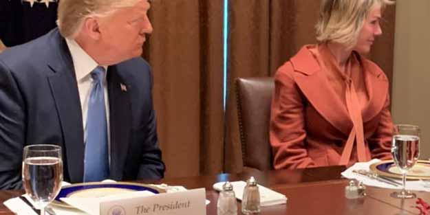 Donald Trump'ın masasında dikkat çeken görüntü! 'Bunun nedenini kimse bilmiyor'