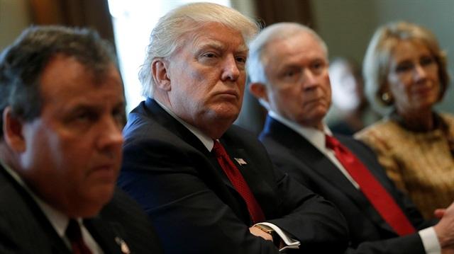 Donald Trump'ın seyahat yasağına süresiz durdurma