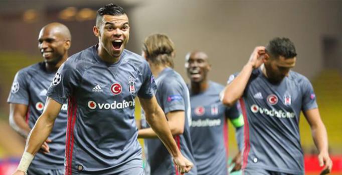 Dünya Beşiktaş'ın galibiyetini konuşuyor