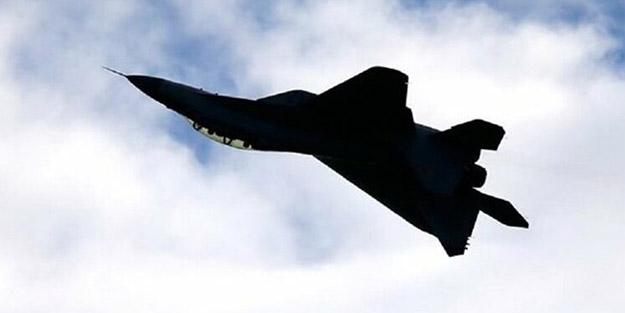 Dünya bu olayı konuşuyor! 15 TL'ye savaş uçağı sattı