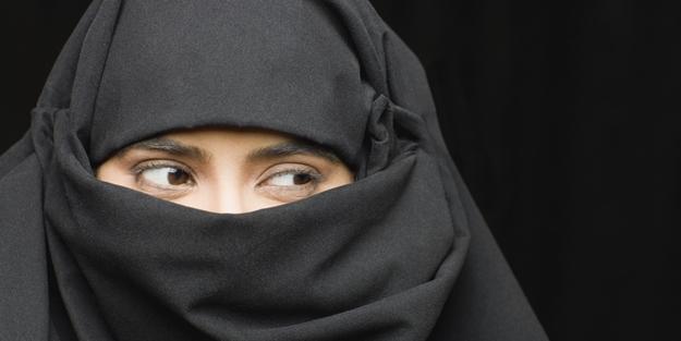Dünya gündemine oturan koronavirüs yorumu: 'Burka'ya savaş açan ikiyüzlü Batı şimdilerde...