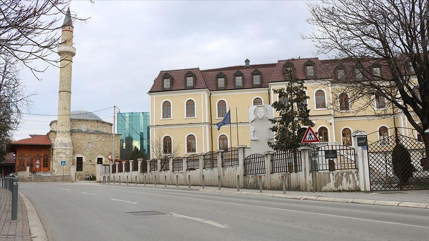 Dünya Kovid-19'la mücadele ederken Kosova iktidar savaşında