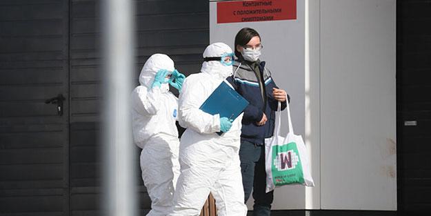 Dünya Sağlık Örgütü'nün övdüğü Rusya'da 27 bölgede sokağa çıkma yasağı ilan edildi
